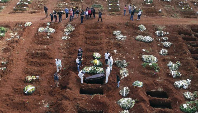 CROP-Brazil-COVID-deaths-AP21098526462316-1024×576.jpg